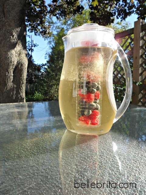 4th of July white wine sangria
