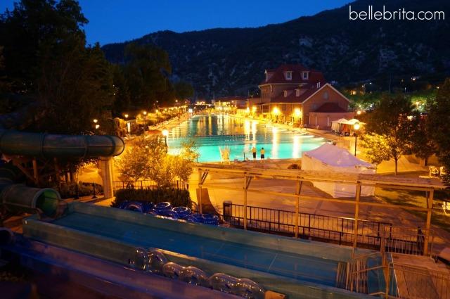 Natural hot springs in Glenwood Springs, Colorado #travel