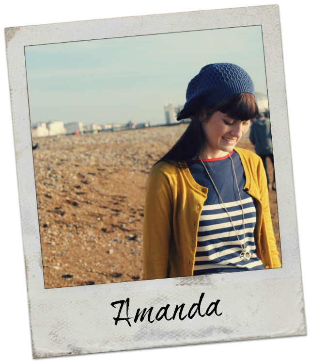 Amanda is an expat in England, planning her wedding to her British fiancé!