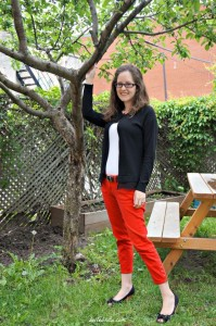 White Tee Tuesday: Skinny Red Ankle Jeans