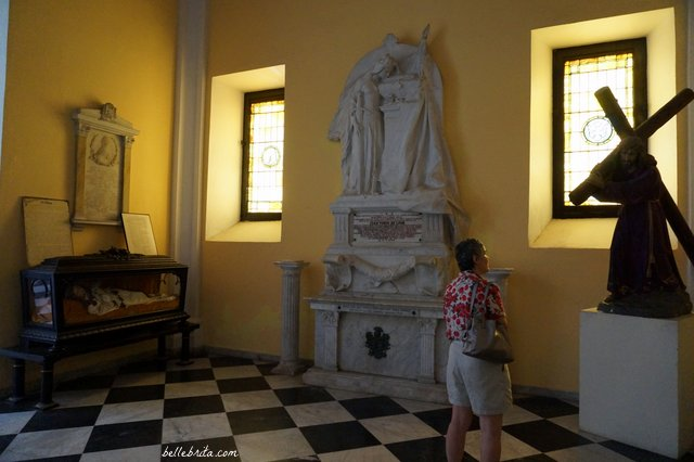 Visit the tomb of Juan Ponce de Léon in Old San Juan