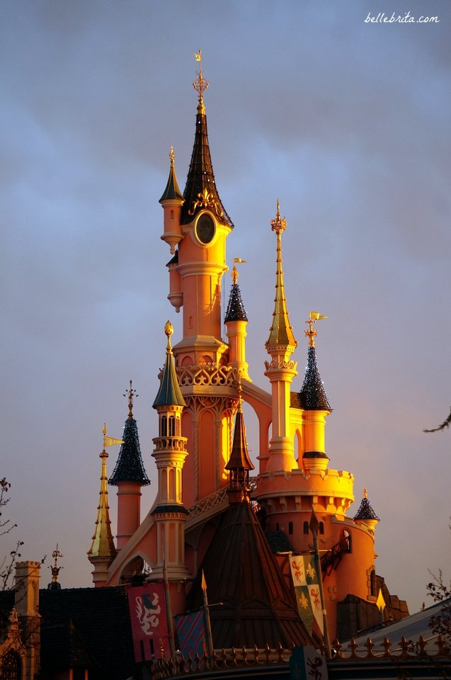 Disneyland Paris at sunset | Belle Brita