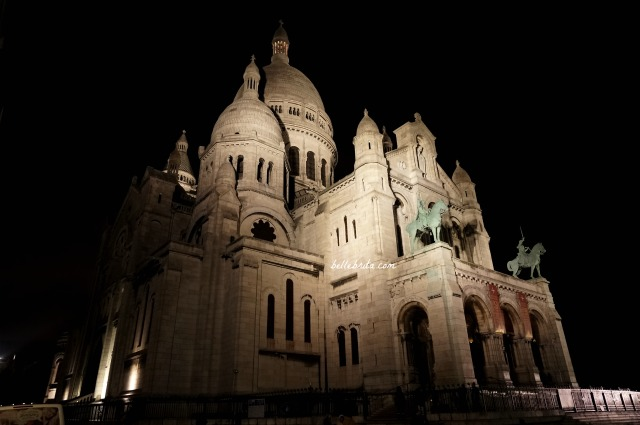 Sacré Coeur at night. | A one-day Paris itinerary isn't complete without a visit to Sacré Coeur in Montmartre. | Belle Brita