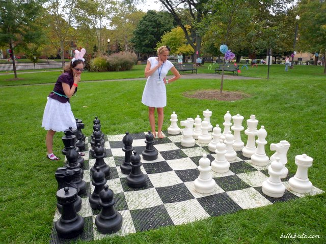 Playing chess at the Topiary Park, Columbus | Belle Brita
