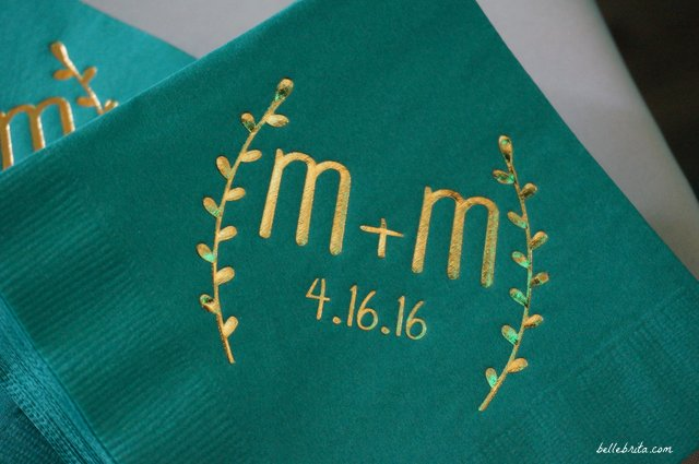 Gorgeous teal and gold wedding cocktail napkins | Belle Brita
