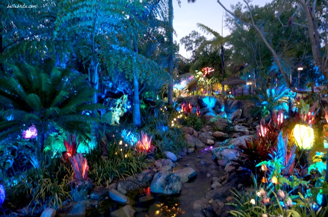 Pandora in Animal Kingdom is so beautiful that you must visit during the day and again at night to admire everything. | Belle Brita