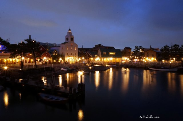 Tokyo Disney Sea Cape Cod | Tokyo Disney Sea is beautiful by day, but simply stunning by night. | Belle Brita
