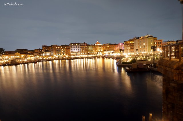 Tokyo DisneySea Mediterranean Harbor at Night | Is there anything more beautiful than Disney parks at night? Read this full Tokyo DisneySea review! | Belle Brita