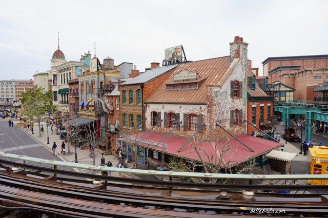 View of Tokyo DisneySea New York Harbor from DisneySea Electric Railway | Tokyo DisneySea review | Belle Brita