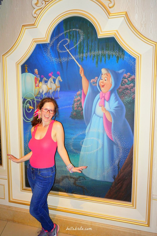 I felt like a beautiful princess visiting Tokyo Disneyland Cinderella's Fairy Tale Hall! | Belle Brita