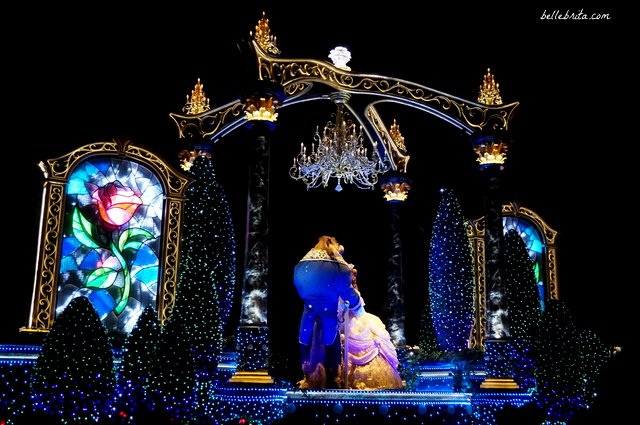Tokyo Disneyland Electrical Parade Dreamlights review | Beauty and the Beast dance in the ballroom | Belle Brita
