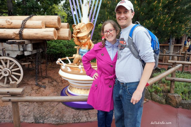 Visiting Tokyo Disneyland for the 35th anniversary celebration involved golden Mickeys all over the park! | Belle Brita