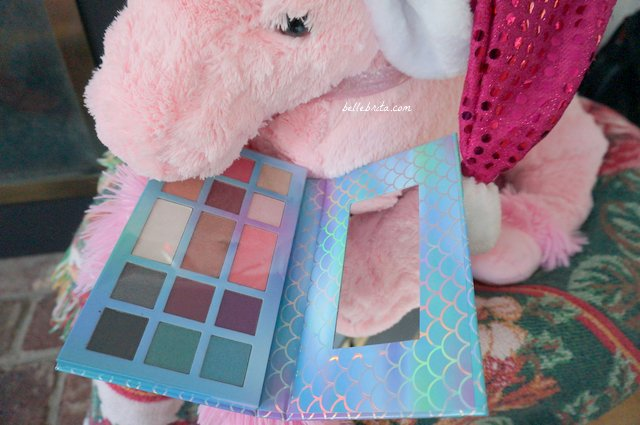 Five Below has great mermaid and unicorn beauty gifts, like this mermaid palette! | Belle Brita