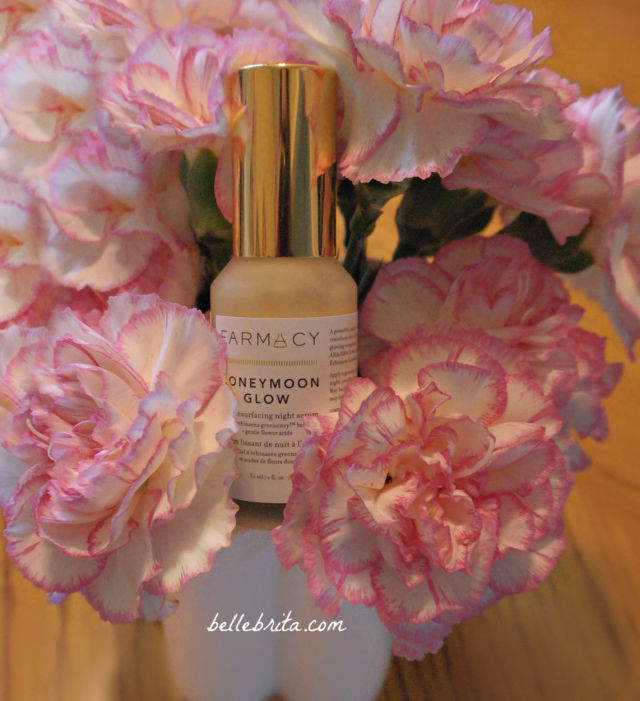 Farmacy Honeymoon Glow has a blend of AHAs and BHAs to exfoliate your skin. | Belle Brita