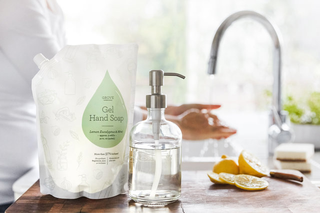 Ready to make simple sustainable changes this year? Start using a refillable hand soap dispenser like this beautiful glass bottle from Grove Collaborative! | Belle Brita