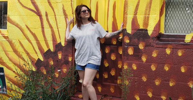 Meet Laura, blogger at Do 5 Things a Day and co-host of the Love Blog Challenge! | Belle Brita